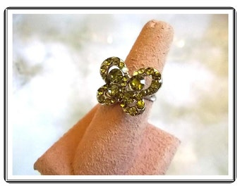 Butterfly Adjustable Ring - Vintage Sweet Lime Green Rhinestone Butterfly Silvertone Adjustable Ring R2726a-090314007