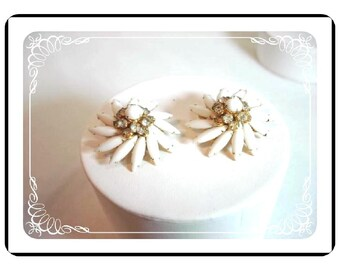Judy Lee Earrings -  Vintage Pinwheel White Glass & Rhinestones  E111a-04081200