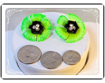 Neon Green Earings - Clip on Neon Green & Black Flower Power Vintage Earrings  E312e-09172012004