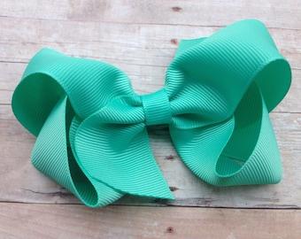 4 inch Tropical green hair bow - caribbean green bow, 4 inch hair bow, boutique bows, girls hair bows, toddler bows, tropic bows, girls bows