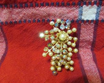 Christmas star comet brooch pin