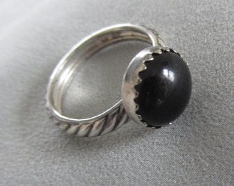 Silver ONYX ring -  Deco band Silver Ring -  Size 6