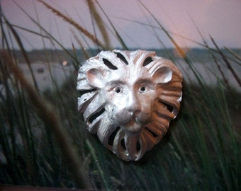 Vintage Metal Silver Tone Lion Head    # J 3
