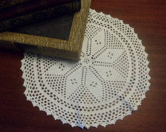 Beautiful Hand Crocheted Whit Doily,  13 Inch Diameter