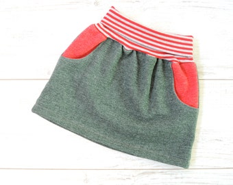 Girls green skirt with pockets and waistband from organic sweat