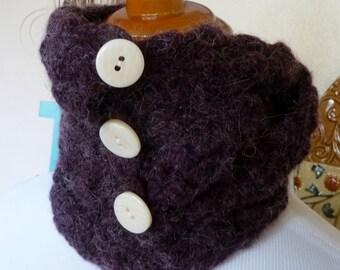 Versatile Purple Scarflette with Buttons