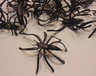 6 large plastic spiders, 45 mm (LR1)