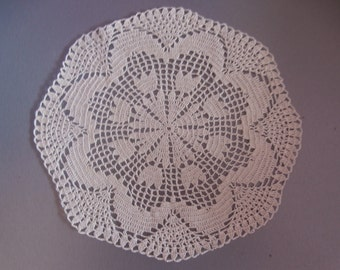 "Ivory crochet doily, round doily, home decor, table decoration,tulips, 9 "", Lace Doily, Ecru Cream Doily, Vintage, Table Topper, Cup Coaster"