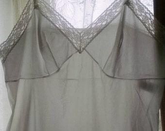 Vanity Fair Lace-trimmed  White Full  Slip, Size 42