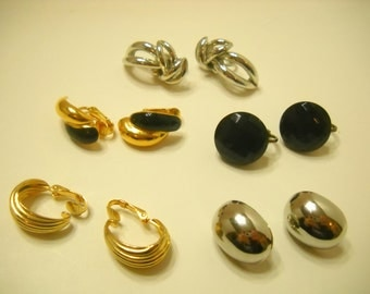 Five (5) Vintage Pairs Of Gold & Silver Tone Clip Earrings (8945**)