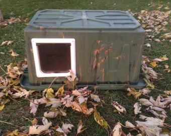 Cat Shelter, one Door Cat House, Cat Pod Camouflage Thank you for saving a Life.