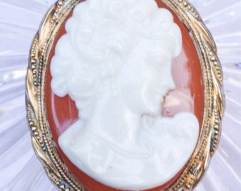 SALE Vintage Gold filled Cameo Brooch Antique jewelry cameo Pin Vintage Brooch