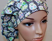 Bouffant Women's Scrub Hat, Skulls Gray