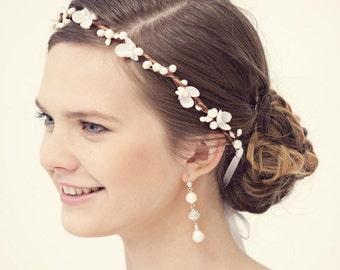 Flower crown, Rustic wedding crown, Bridal flower headband, Pearl flower crown, Bridal hair accessories, Pearl tiara, Wedding tiara