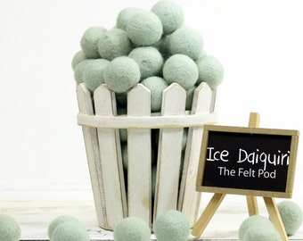 Wool Felt Balls // Felt Ball Garland DIY // diy Mobile // diy Necklace // Felt Pom Poms // Wool Beads // ICE DAIQUIRI // 2.5 cm