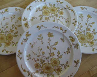 Anchor Hocking Devonshire Ironstone dinner plates with yellow flowers Very good Set of 4