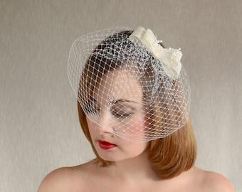 Ivory Bridal Veil with Sinamay Bow - Birdcage Veil  - Cream Bridal Veil