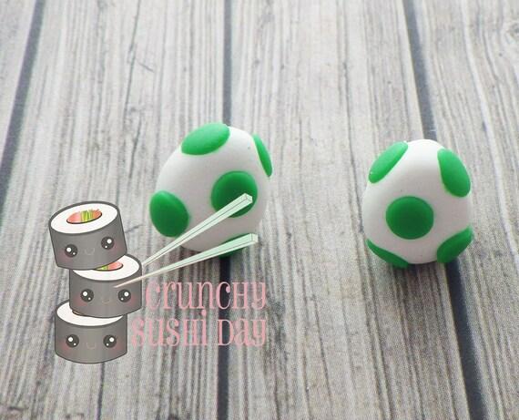 Yoshi Egg Earrings, Polymer Clay Earrings, Polymer Clay Charm, Yoshi, Polymer Clay, Polymer clay jewelry, Kawaii, Chibi