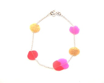 Silver bracelet and dissolve confetti-pink, red, gold