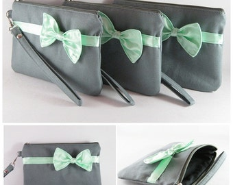 SUPER SALE - Bridesmaids Gifts Wedding Party Purses - Set of 5 Gray with Little Mint Bow Clutches - Made To Order