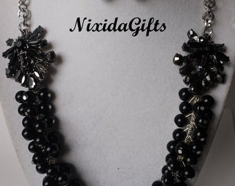 Black Glass Pearl Cluster Flower Necklace Set