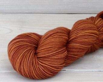Calypso - Hand Dyed Superwash Merino Wool DK Light Worsted Yarn - Colorway: Spiced Cider