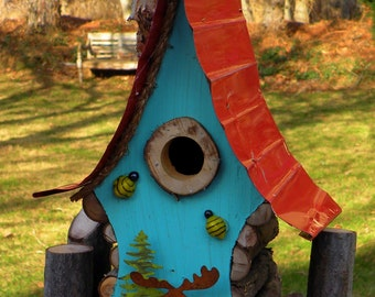 bird house, Moose in the woods birdhouse, functional birdhouse with clean out door and metal roof in color options