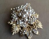 Pearl brooch, wedding brooch, gold brooch, Winter jewelry, Winter Wedding,flower brooch, bridal pearl brooch jewelry pin crystal GOLD LEAF
