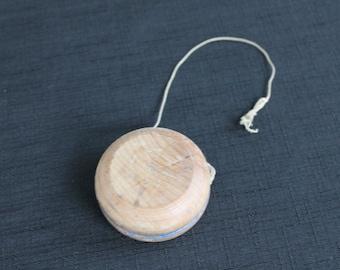Vintage Wooden Child's Toy Yoyo Yo-yo