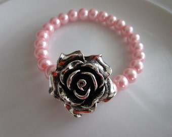 Silver toned rose sculpted pendant elastic bracelet with light pink pearl beads - birthday gift - rose bracelet - flower bracelet, pink