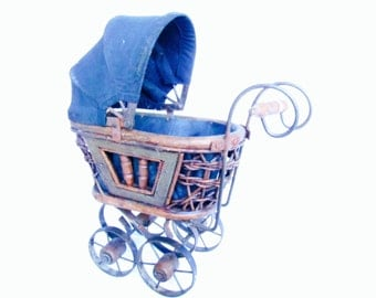 Small Vintage Baby Stroller, Baby Carriage, Miniature Baby Pram, Bassinet, Baby Photo Prop, Vintage Carriage Stroller