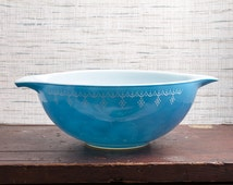 Pyrex 444 4 quart Large Blue Bowl Cinderella Snowflake Blue
