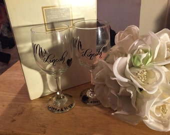 Personalized wedding glass set (His and Her wedding set)
