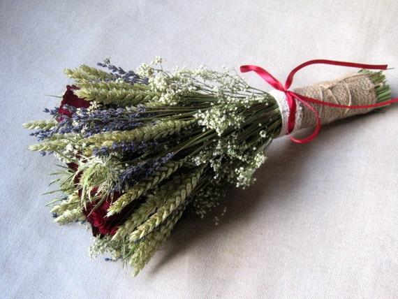 lavande s ch e rustique bl gip et rouge roses mariage bouquet. Black Bedroom Furniture Sets. Home Design Ideas