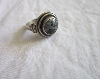 Old Native American Sterling Silver & Argite Southwestern  Ring