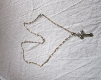 Lovely Vintage Figaro Sterling Silver Chain Necklace & Cross Pendant Beautiful