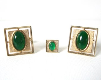 Vintage Anson Gold Tone Cufflinks And Tie Clip Set With Green Cabochon