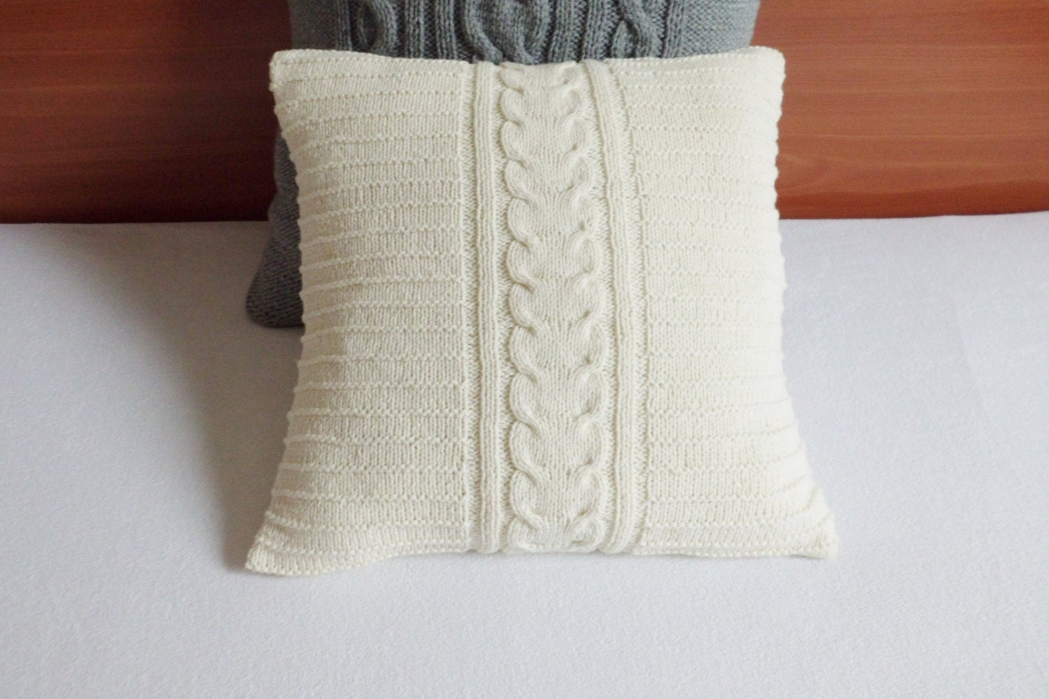 cable knit off white pillow case throw pillow hand knitted. Black Bedroom Furniture Sets. Home Design Ideas