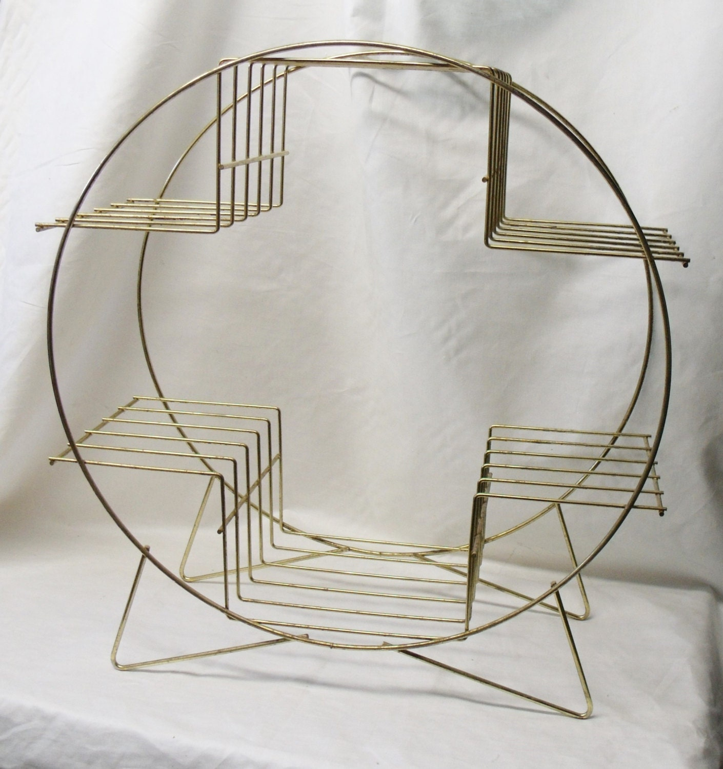 mid century modern round wire plant stand by yvonnesvintagenmore. Black Bedroom Furniture Sets. Home Design Ideas