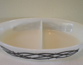 Vintage  Pyrex White with Black Brabed Wire 1958 Promotional  Cinderella Divided Casserole Dish 1 1/2 Qt  Epsteam