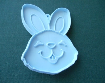 Hallmark Cookie Cutter, ABunny  Rabbit  Face 4 inch by 2 3/4 inch Hallmark, Smiling Bunny