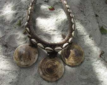 Vintage Tribal Shell Necklace Papua New Guinea Oceania