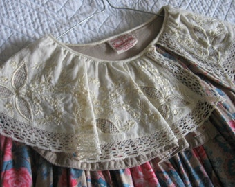 Pretty dress vintage 1970s