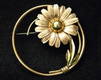 Vintage Taylord Gold Filled Flower Wreath Pin
