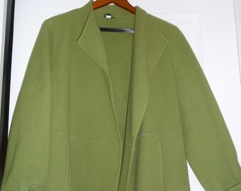 Beautiful Wool and Cashmere Eileen Fisher Jacket, Size Petite L