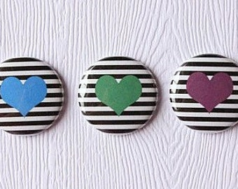 "3 badges 1 ""lines hearts blue, green, purple"