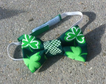 St. Patrick's Day Bow Tie, St. Patrick's Day Hair Bow  - Shamrock bow, Kelly Green with Shamrocks- Baby, Toddler, Child, Adult