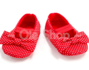 Baby Girl Shoes, Baby soft sole shoes, Newborn Shoes, Toddlers girls Shoes, Red polka dot baby shoes, baby costumes.