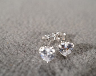 Vintage Sterling Silver 2 Heart Shaped Cubic Zirconia Classic Prong Set Stud Style Pierced Earrings      #11