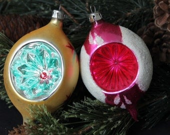 Vintage Czechoslovakia tear drop hand blown glass Christmas ornaments, mica and indent and hand painting